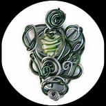 Pendentif coeur fil aluminium vert et argent fait main