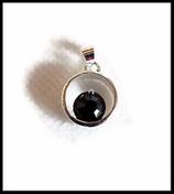 Pendentif rond argenté cristal noir 20 mm
