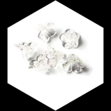 6 perles  fleur transparente naturel 14 mm Rèf : 0121