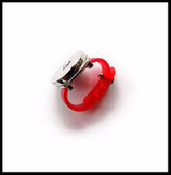 Support bague métal argenté anneau synthétique rouge boutons snaps. Réf : 1214