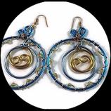 Créoles en fil aluminium bleu et or, perles swarovski
