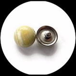 Bouton snap chunk imitation pierre beige reflet vert pâle  cabochon 18 mm pour bijoux personnalisables