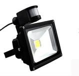 LED Fluter 30W mit Bewegungsmelder