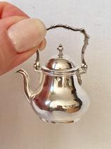 18e Eeuws zilveren miniatuur theepot, J.A.van Geffen, Amsterdam 1788.