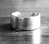OPEN POLISHED DECLARATION RING, WITH NUMBER OR WRITING