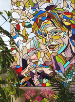 Gefragmenteerd portret in glas