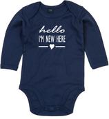 "Babywelt | Babybugz | 71.0030 |  BZ30 Baby Body langarm  |  Druck ""Hello New Here"""