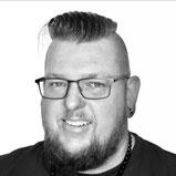 Torsten Piercingartist Studioleitung Lasertechniker