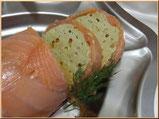 recette de la bûche saumon fumé, avocat et oeufs de truite
