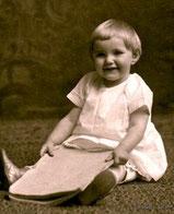 Mary Elizabeth SECHRIST (1912-1998) married Chalmers L. ENSMINGER, Sr., M.D.