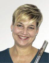 Ursula Riedl  – Akkordeon,  Querflöte, MuZw