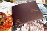 【パンフレット×ホテル】 厚手のフォルダに、各サービスリーフレットを詰めて1冊のカタログに。
