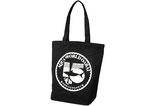 【オリジナルトートバッグ×大型遊戯施設】15周年記念のロゴを使用し、制作したトートバッグ。長くご利用いただくため、飽きのこないシンプルなデザインと厚手でしっかりとしたキャンバス生地をを使用しました。 [H370(持ち手込H620)×W385×D110mm]