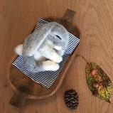 Filztiere Schweiz, schlafender baby Hase, Filztier süss, Filztier, Ostern, Deko Ostern, Herbstdeko, Filztiere, Filzfigur, Handgemacht, handgemachte Filztiere, handgefertigte Filzfigur