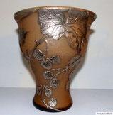 """Legra & Cie,""""Houblon"""" Vase um 1900, Hopfenmotiv mit Silberauflage, € 550,00"""