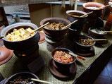 肉も魚も、野菜もとにかくスパイスで味付けしてある。