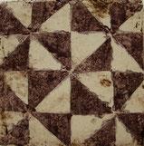 Plättli mit antiker Mustervorlage aus Südfrankreich
