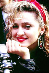 Madonna foulard