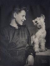 Madame D mit Hund