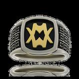 Monogramm Ring aus der Kollektion Matrix in Weissgold mit einem Monogramm in Gelbgold auf schwarzem Grund, vom Goldschmiede Atelier OBSESSION