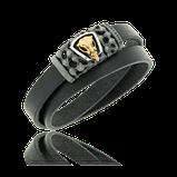 Schwarzes, doppelreihiges Lederarmband mit Silber Verschluss und Schädel in Rotgold aus der Mikrokosmos Männerschmuck Kollektion der Goldschmiede OBSESSION