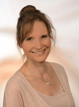 Heilpraktikerin in Regensburg, Anja Blomeyer, Schwerpunkte chronische Borreliose, chronische Gelenkprobleme, Allergien, Heuschnupfen, Verdauungsprobleme, Colitis, Abnehmen