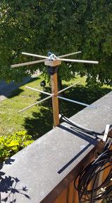 Aufbau einer Turnstile Antenne bei Röbi, HB9RTJ