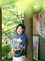 結婚式のブーケ・装花をコーディネートするフラワーアーティスト