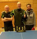Hans, Martin und Karl freuen sich über den Einzug ins Viertelfinale.