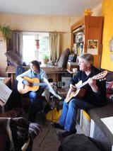 beim Gitarrenunterricht