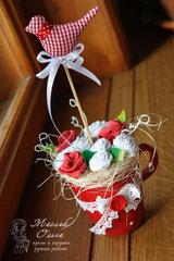 tsvety-iz-tekstilya-rozy-podarok