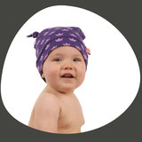 Kindermode in buntem Design macht aus einer Mütze die Lieblingskappe. Erhältlich in vielen Grössen für Babys, Kleinkinder und Erwachsene.