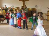 Kindergarten- und Schule stürmen