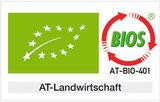 EU-Logo Blatt auf grünen Hintergrund. BIOS-Logo Kreis aus roten Pfeilen mit Kontrollnummer