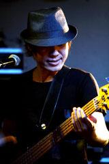 ベースボーカル島田貴斗