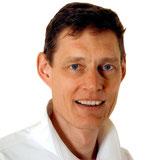 Zahnarzt Dr. Claus Nowag informiert zum Thema Implantate