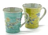 九谷焼『ペアマグカップ』金糸梅に鳥 緑塗り&黄塗り 裏絵