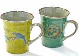 九谷焼『ペアマグカップ』黄塗り金糸梅に鳥&丸紋松竹梅緑塗り 裏絵