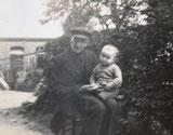 Opa met zijn vader Herman Voss