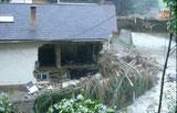 Hochwasser zerstört Wohnhaus in der Stampf