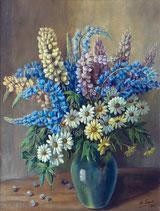 Blumenstrauss in grüner Vase