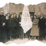 Con las jóvenes de Acción Católica en el año 1939