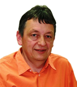 Zahnarzt Dr. Peter Fleischmann informiert zum Thema Implantate