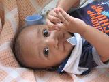 Fast jeden Monat wird ein verwaistes oder ausgesetztes Baby ins Heim gebracht. Das Jugendamt such nach Pflegefamilien. November 2014