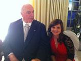 Hier die Künstlerin bei einem Auftritt bei Helmut Kohl