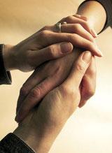 El contacto físico es una forma de mostrar la ayuda