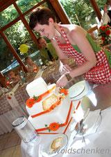 Hochzeitstorte ...nach dem Anschnitt wird entstapelt...