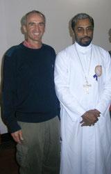 Frank Schmidt, 1. Vositzender und Bischof Joseph Arumachadath der Diozöse Bhadravathi, Shimoga, Karnataka, India