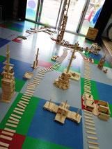 遊びの時間に年長さんが作ったカプラの町
