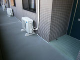エアコン標準工事(通路置き)